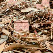 """En signant """"l'Engagement pour la croissance verte (ECV) relatif à la valorisation des déchets de bois"""", l'industrie cimentière souhaite augmenter de 90 % la quantité de déchets de bois utilisée dans les processus de production du ciment à l'horizon 2020. [©Federec]"""