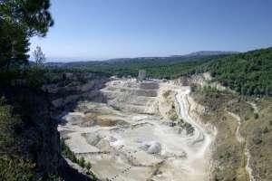 LafargeHolcim a signé un partenariat en faveur de l'archéologie préventive sur ses sites d'exploitation de granulats. Carrière de Cassis (13). [©ACPresse]