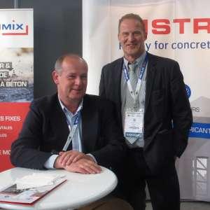 François Miroux, responsable de site, et Hervé Delmotte, responsable des ventes, représentent les couleurs de Distrimix à l'occasion du Woc Europe. [©ACPresse]
