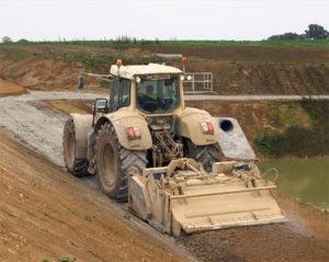 Le liant routier Eqiom 2 SG permet d'éviter le recours à des matériaux nobles de carrière.