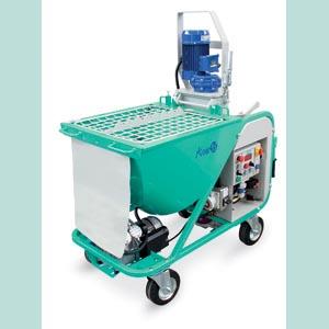 La machine à plâtre Koine 35 E permet l'application d'enduits, ainsi que de plâtre et de produits d'étanchéité. [©Imer France]