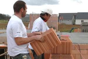 Tous les matériaux de gros œuvre ont néanmoins leur place dans les maisons à énergie positive, surtout s'ils présentent des performances thermiques élevées. [©Gérard Guérit]