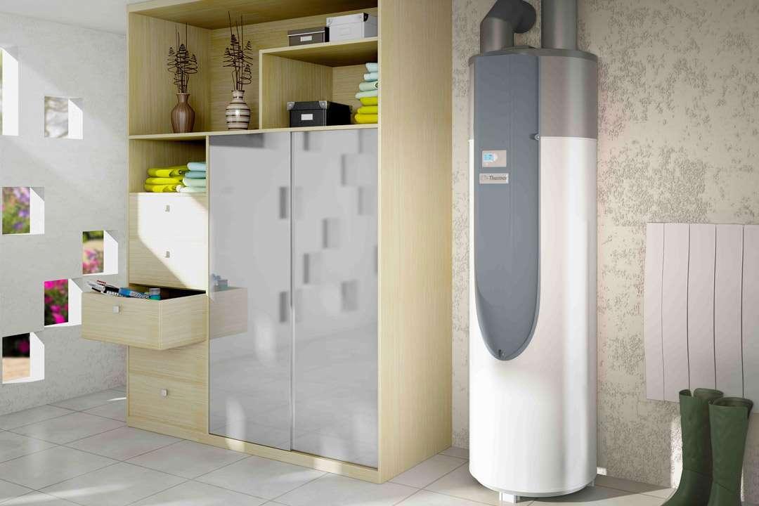 Les chauffe-eau thermodynamiques font également partie des équipements plébiscités pour ce type d'habitats. [©Thermor]