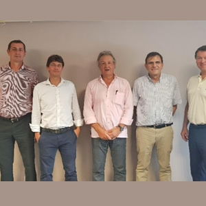 De gauche à droite, Laurent Lecoq, Dimitri Lasfelt, Pascal Leandri, Nicolas Vuillier et Igor Bilimoff lors de la première séance de l'Unicem Réunion. [©Unicem]