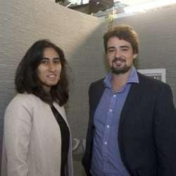 Mahriz Akazan et Charles Bouyssou, co-fondateurs de XtreeE (avec plusieurs autres associés), devant un mur imprimé en béton. [©ACPresse]