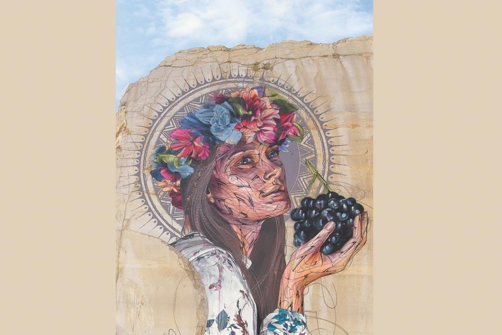 Figure montante du Street Art en France, Hopare ets le pseudonyme d'Alexandre Monteiro. L'artiste crée des lignes parfaites, géométriques et abstraites, dans lesquelles apparaissent souvent des visages. Comme ici, pour la session 2017. [©Michel Joly]